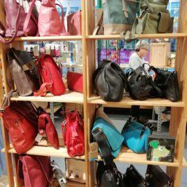 Monatsaktion mit Handtaschen
