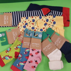 Bunte Bio-Socken für die ganze Familie