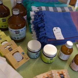 Kosmetik und Kerzen mit  nachhaltigem Palmöl